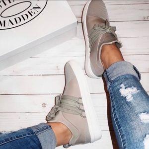 Steve Madden 'Lancer' Gray Sneakers | 7